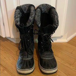 Shoes - Sorel Joan or Arctic snow boots